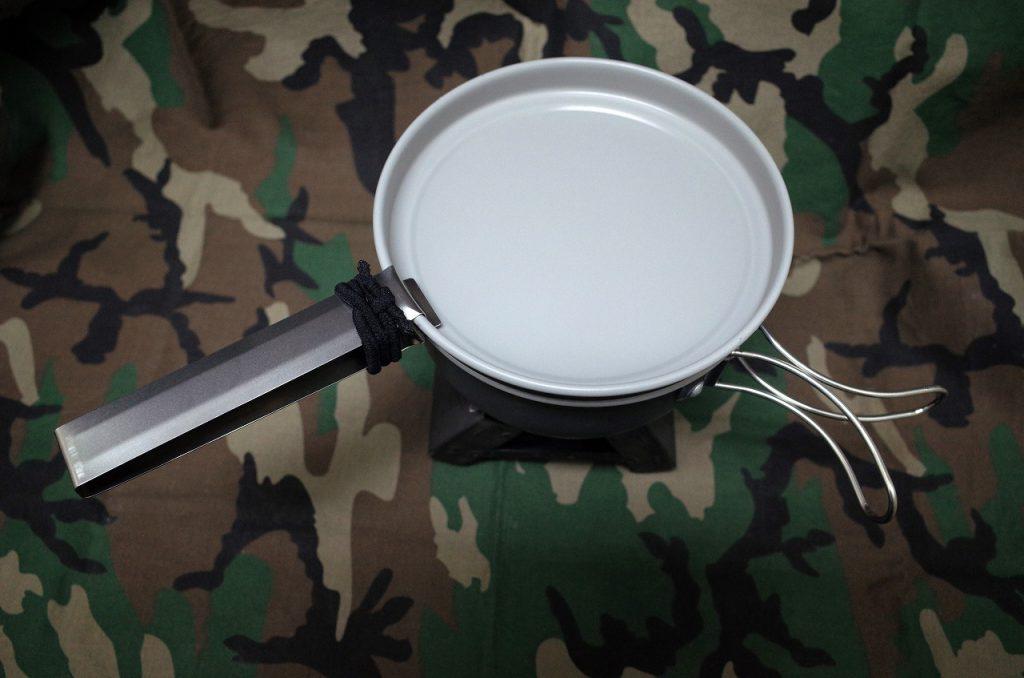 ふっ素加工したアウトドアー用食器